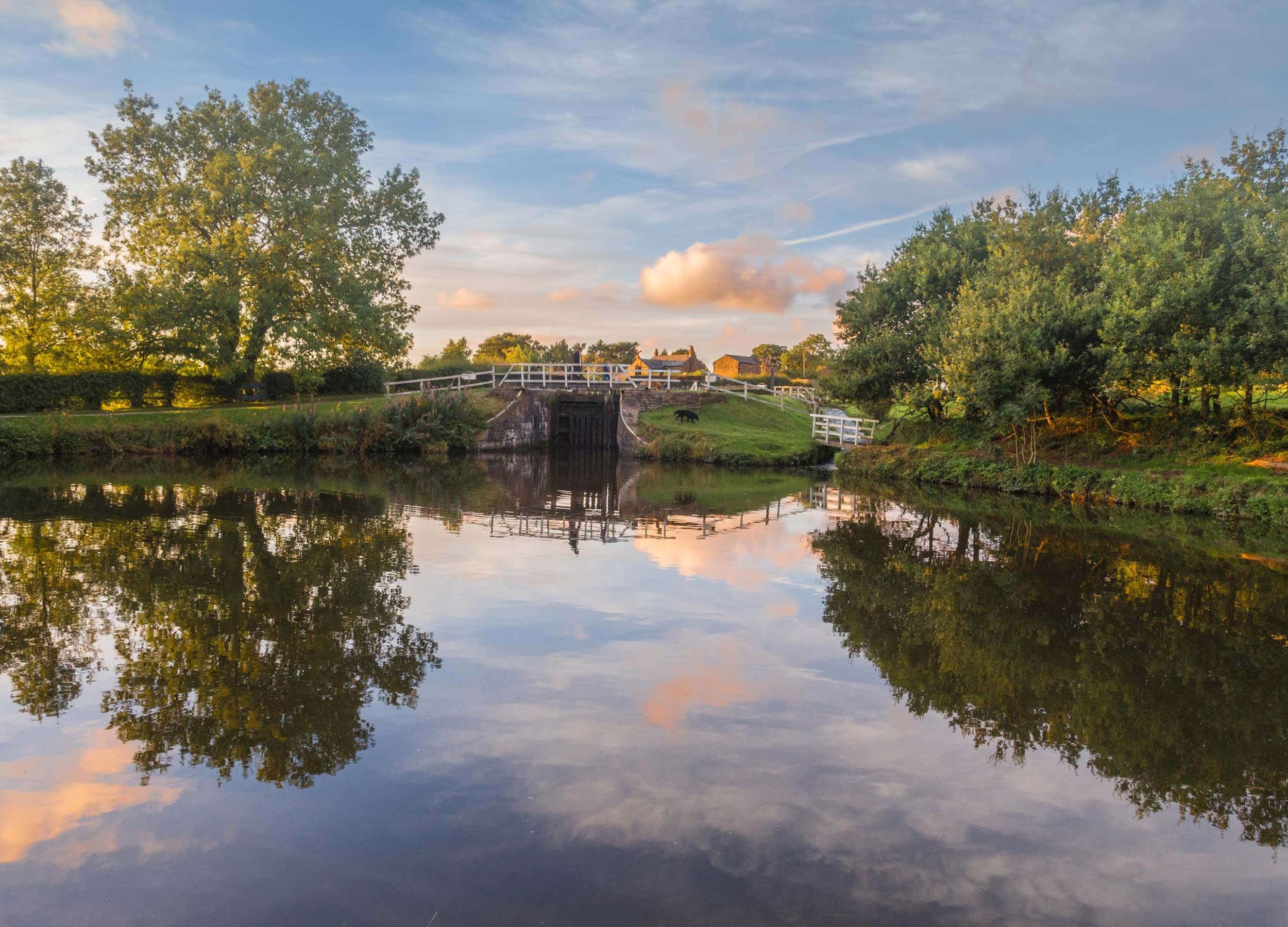 Withnell-Fold-Canal_Autumn_2